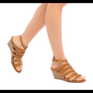New! Shoedazzle strappy wedges